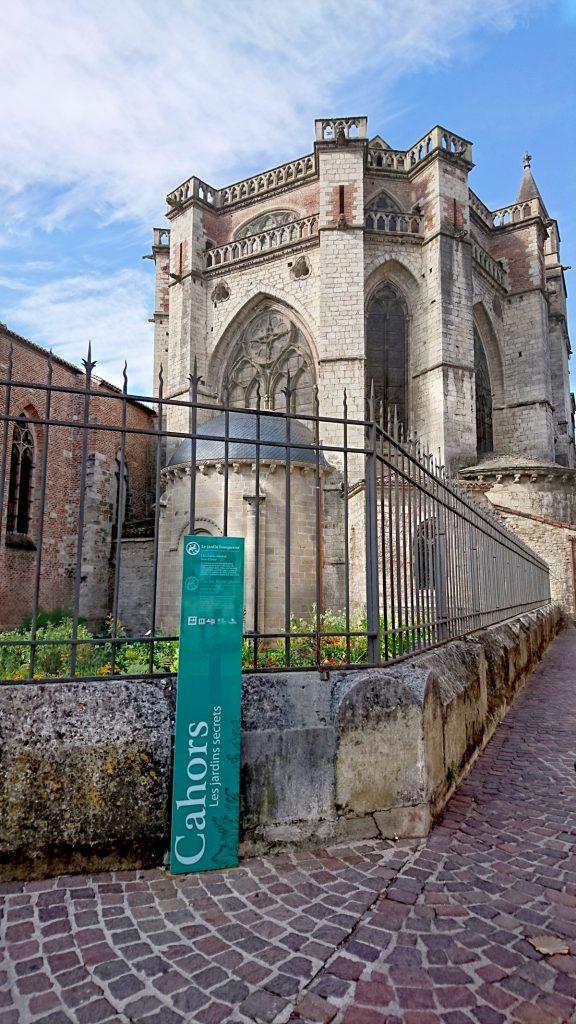 Cathédrale Saint-Étienne ; Le jardin bouquetier