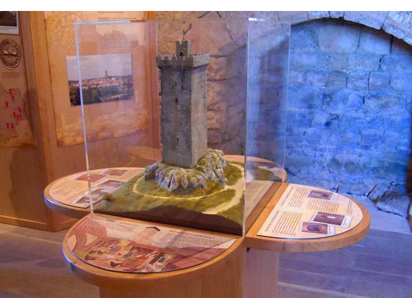Maquette de la tour de Montcuq